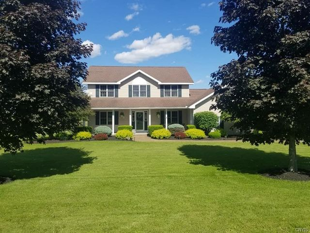 Listing photo 1 for 2066 Greens Crossing Rd