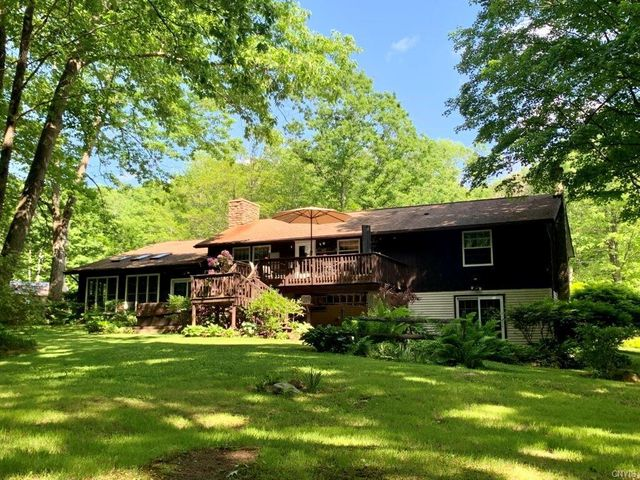 Listing photo 1 for 1181 White Hill Rd