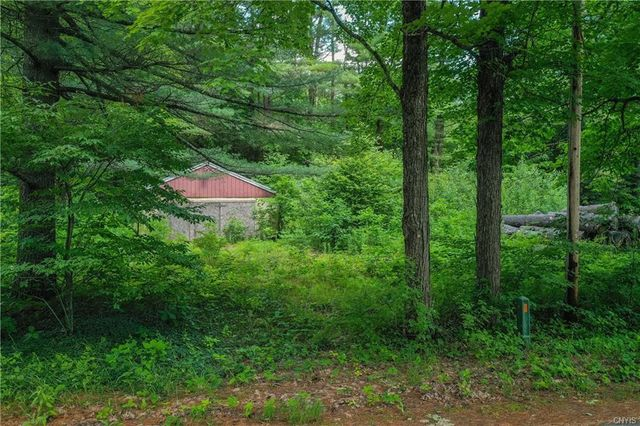 Listing photo 1 for 118 Millers Grove Rd