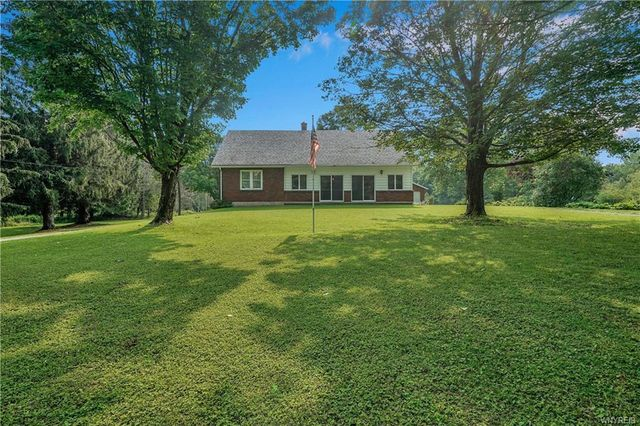 Listing photo 1 for 6349 Youngers Rd