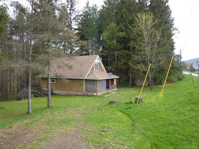 Listing photo 1 for 2031 Wolf Creek Rd