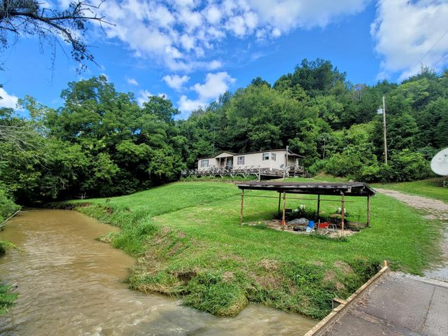 Property photo 1 featured at 3710 Lonesome Pine Trl, Greeneville, TN 37745