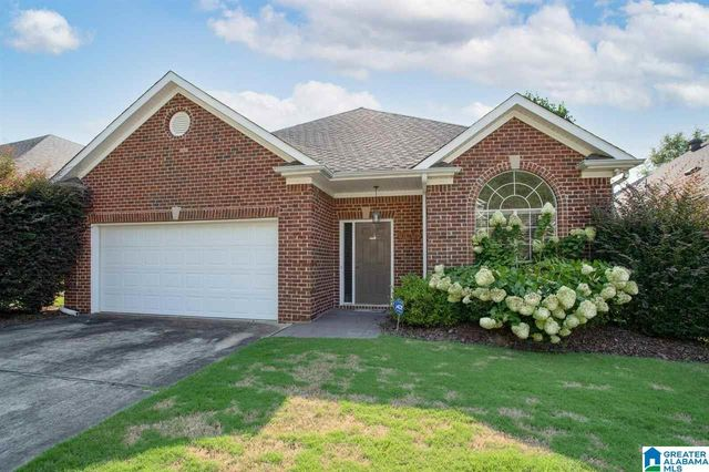 Listing photo 1 for 1162 Castlemaine Dr
