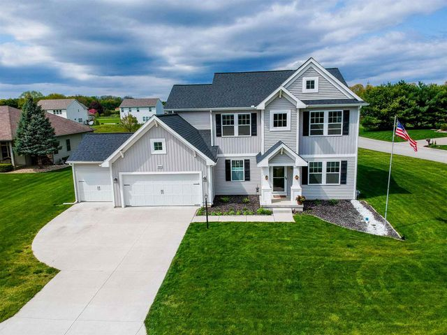 Listing photo 1 for 28581 Twain Dr