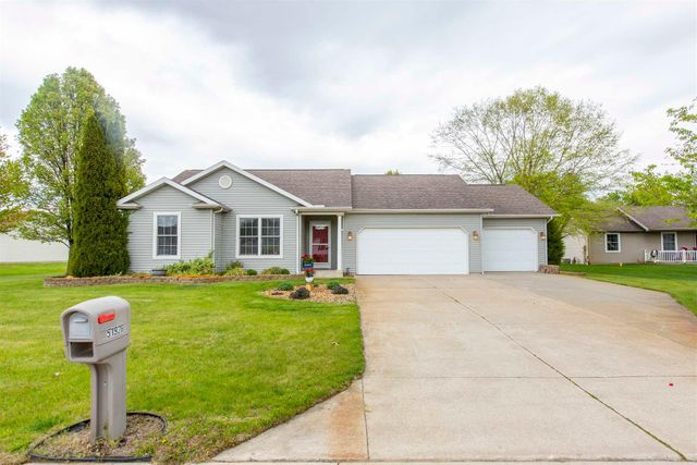Listing photo 1 for 51928 Buckwillow Ct