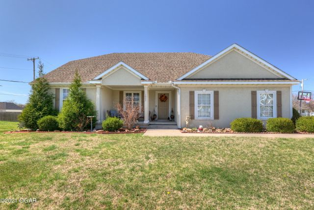 1002 Briarbrook Dr, Carl Junction, 64834, MO - photo 0