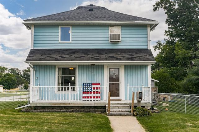 Listing photo 1 for 1202 3rd Ave