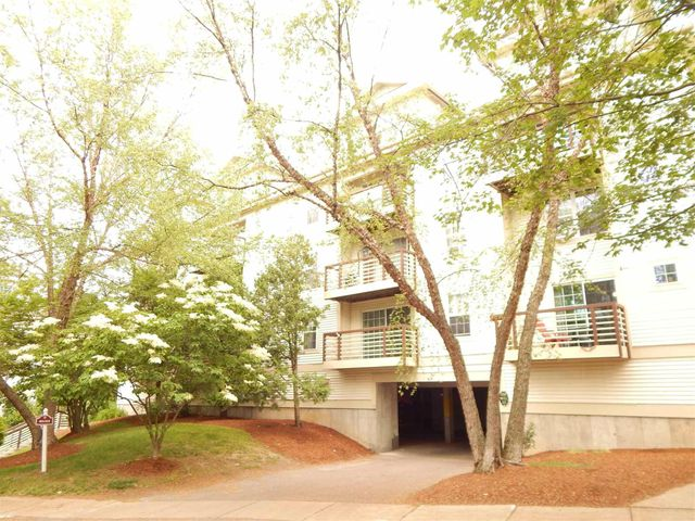 Listing photo 1 for 211 Hildred Dr