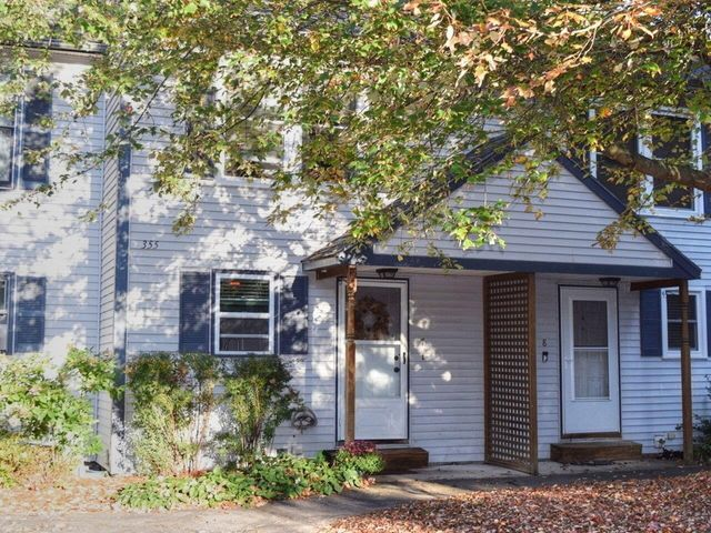 Listing photo 1 for 355 Patchen Rd Unit 7