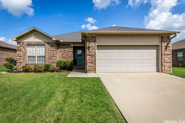 Listing photo 1 for 46 Bryson Dr