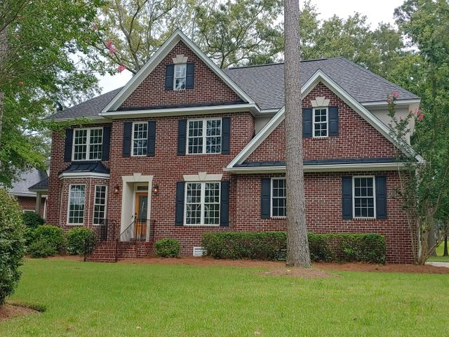 Listing photo 1 for 8704 E Fairway Woods Dr