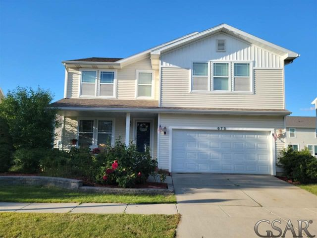 Listing photo 1 for 678 Puffin Pl