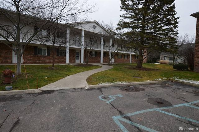 23428 Middlebelt Rd Unit # 13-Bldg # B, Farmington Hills, 48336, MI - photo 0