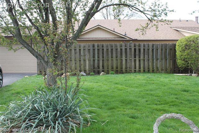 5220 W Utica Rd, Shelby Charter Township, 48317, MI - photo 0