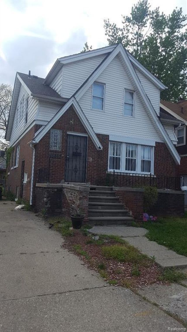 Listing photo 1 for 15867 Northlawn St