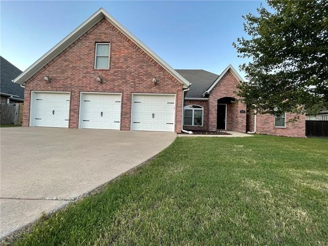 Listing photo 1 for 1766 River Meadows Dr