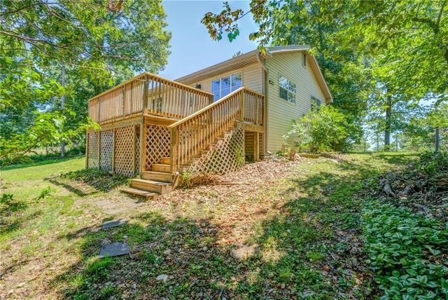 Listing photo 1 for 8072 Gum Dr
