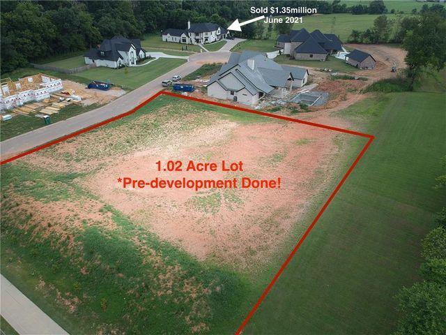 Property photo 1 featured at 6100 S Haxton Cir, Bentonville, AR 72713