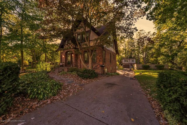 Listing photo 1 for 325/327 Chesterfield Parkway Parkway